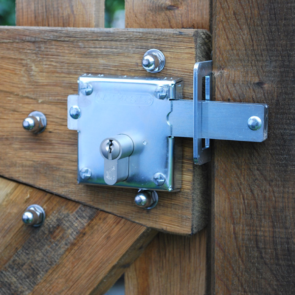 Bolt on locks - Secure gate bolts | Signet Locks